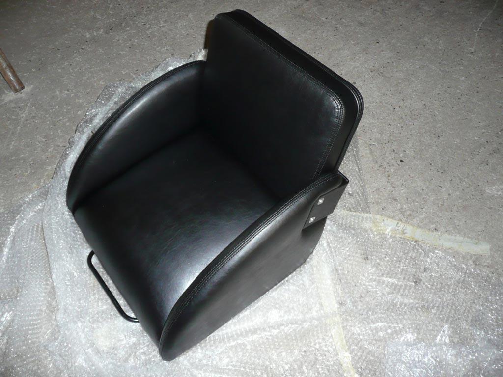 Sitzkeil mit Schienen und Rückenlehne